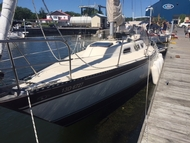 Hughes Hughes 35 1978 for sale - Pre-owned boat for sale